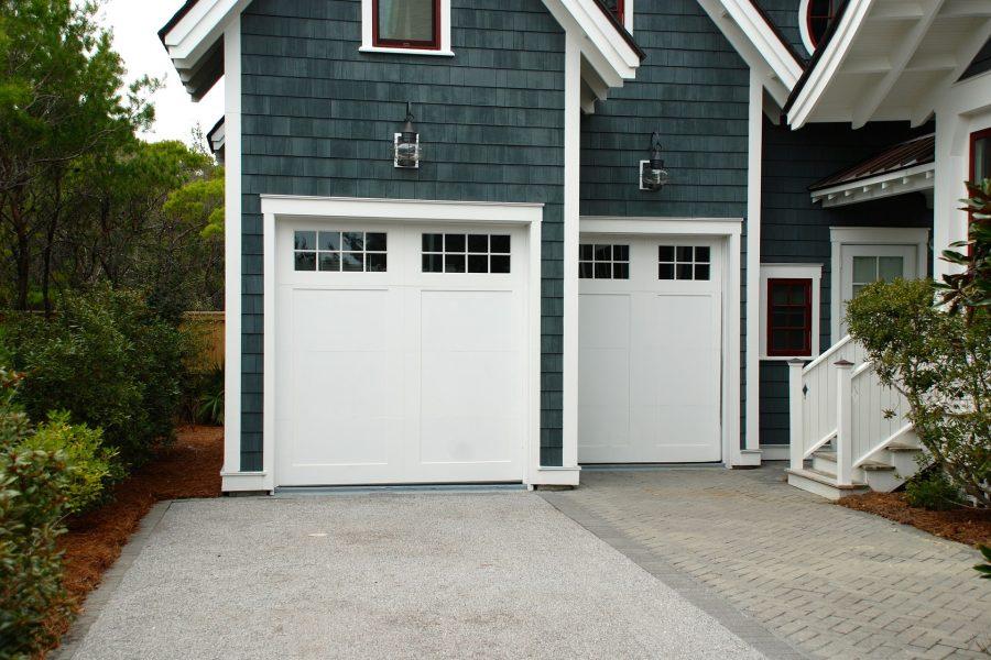 garage-door-2578740_1920